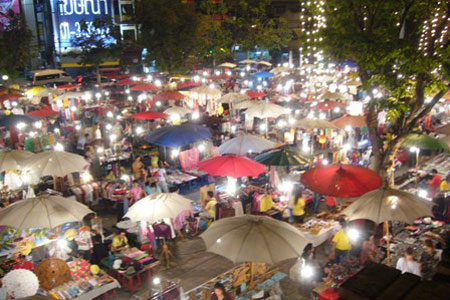 Shopping in Chiang Mai at Night Bazaar